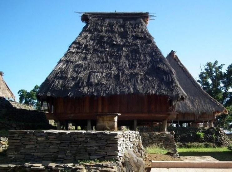 Rumah adat kilapan sumatera selatan